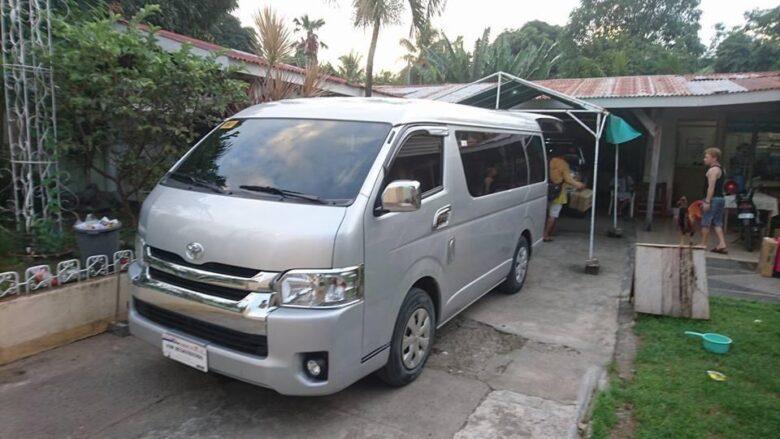 フィリピンの交通手段:バン